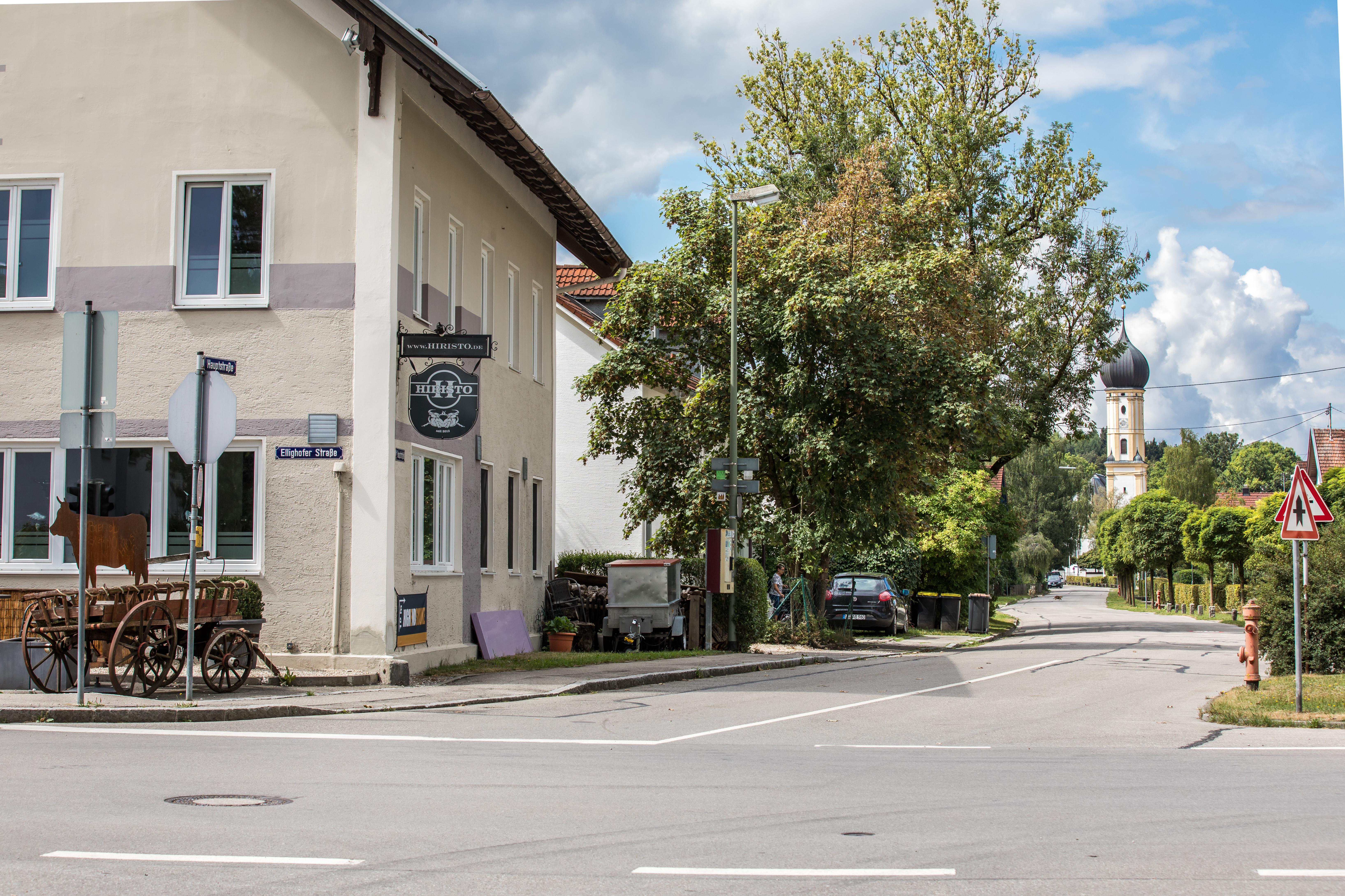 Ortseingang Erpfting mit Gasthaus Hiristo