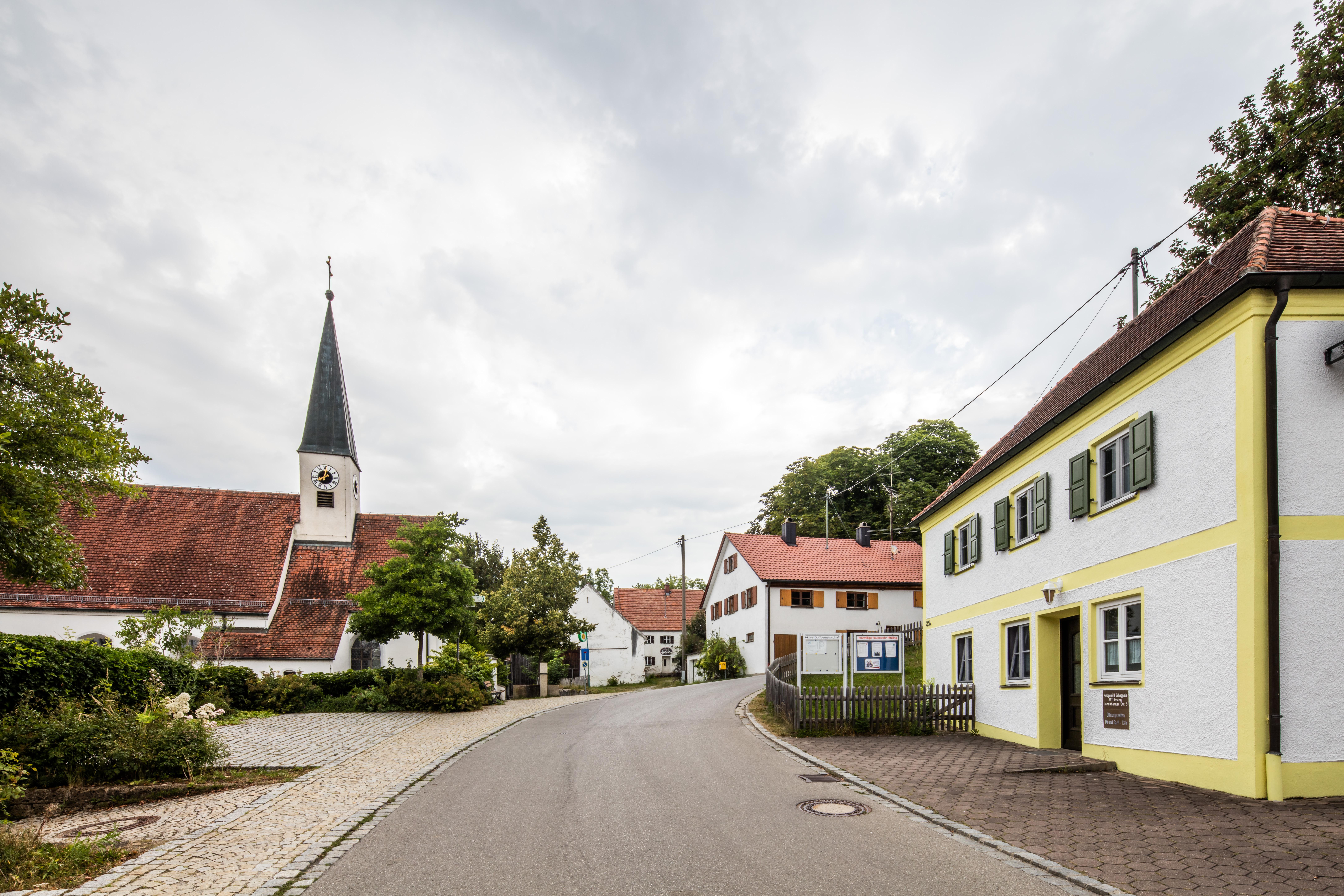 Blick auf die Kirche Pitzling